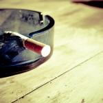 """【社会】もはや""""モンスター嫌煙者""""? タバコいじめに悩む人たち…喫煙席でも「吸うな!許せん!」理不尽なクレームも"""