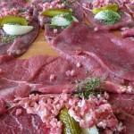 関西人の家ですき焼きやったら、いきなり砂糖と醤油で肉を焼き始めてワロタwうめぇw