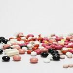 【医療】「お薬手帳」の窓口負担引き下げへ。同じ薬局利用で