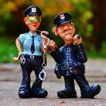 【リオ五輪】<WELCOME TO HELL>財政難で大混乱!「ようこそ地獄へ」と警察官が横断幕を掲げる異常事態…